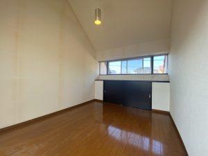 スカイタウン寺塚 3階洋室
